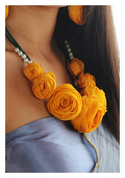 Atum Yellow Rose Necklace