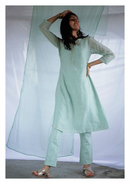 Pishtachia Tissue Chanderi Kurta Pants Set