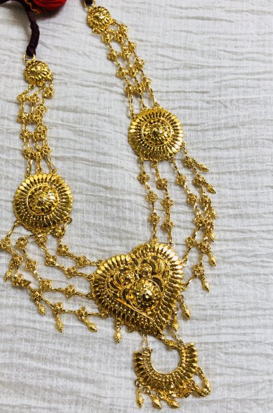 Gauri Gold tone Silver necklace