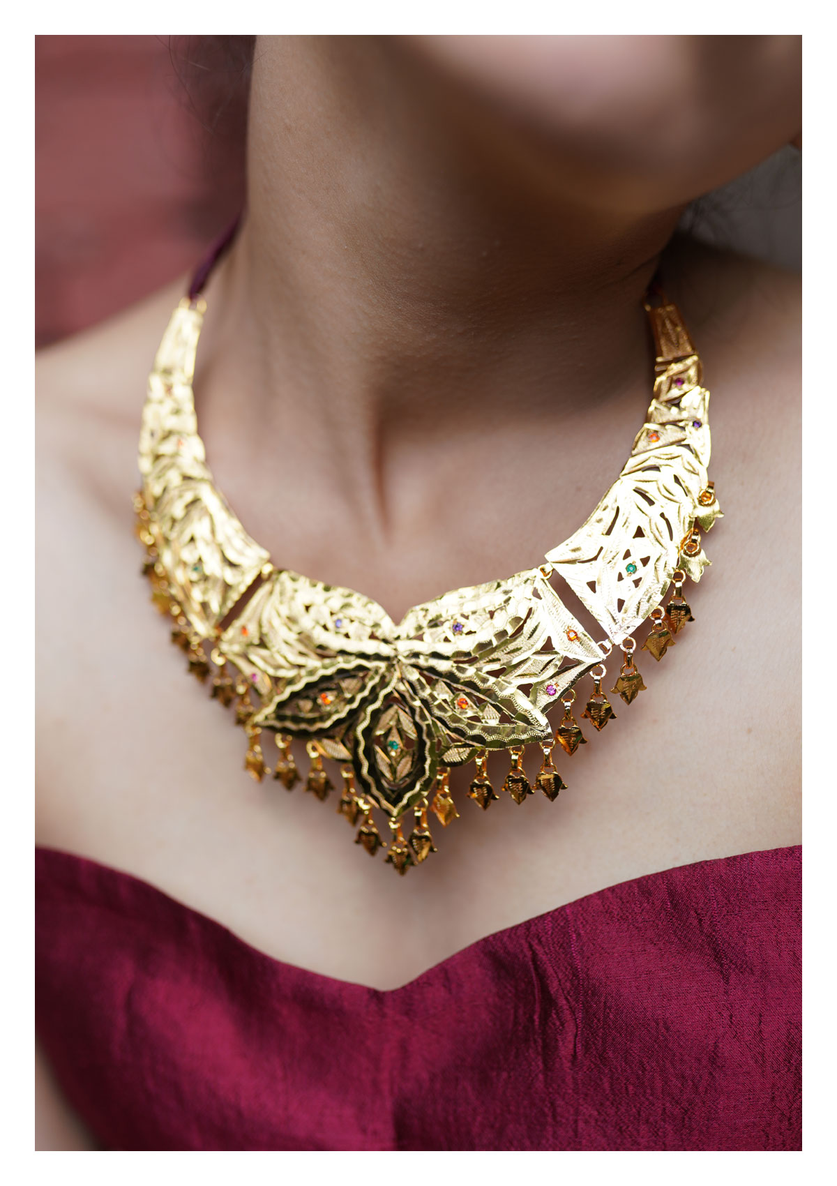 Alvira Handmade Goldtone Silver Necklace