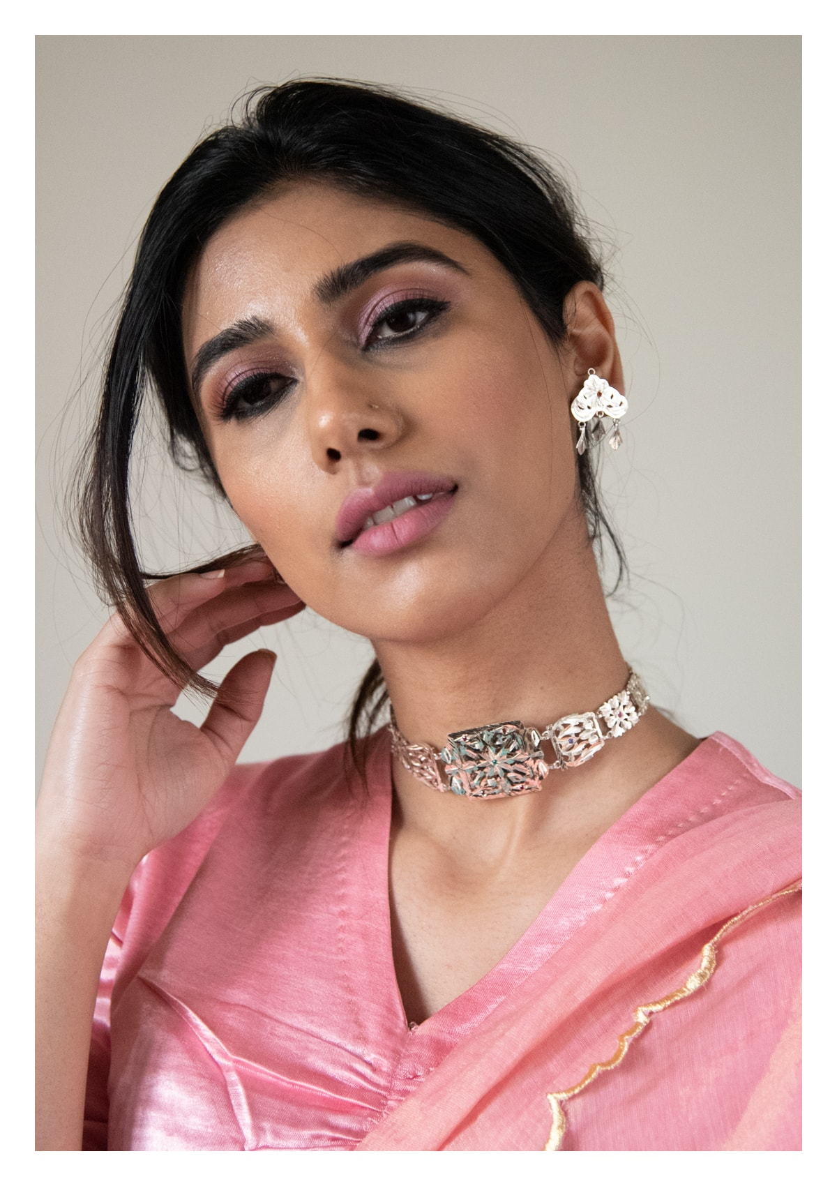 Daasi Handmade Choker and Earrings Set