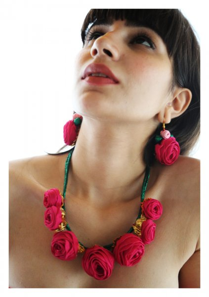 Fukayna Pink Rose Necklace