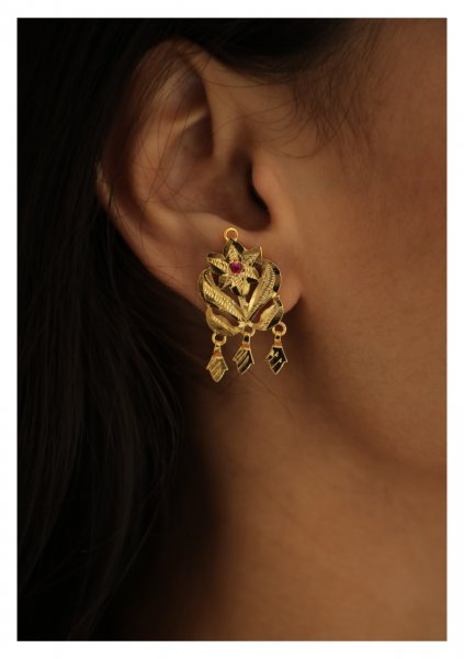 Kaliha Handmade Gold Tone Silver Earrings