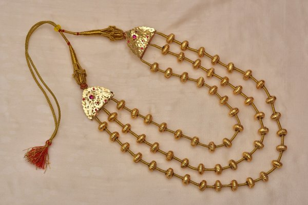 Hoi Handmade Gold tone Silver Necklace