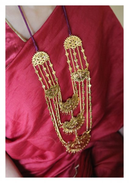 Rahida Handmade Gold Tone Silver Necklace