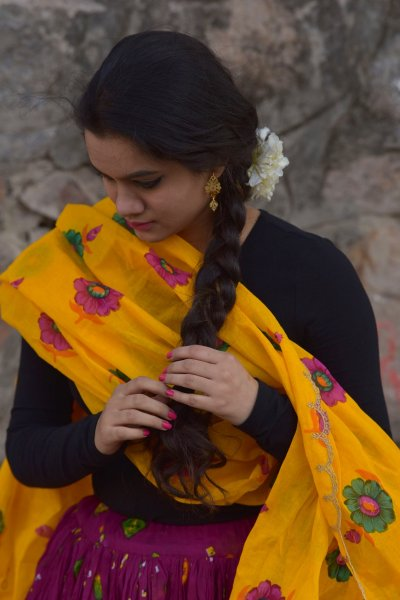 Chanda yellow cotton scalloped dupatta